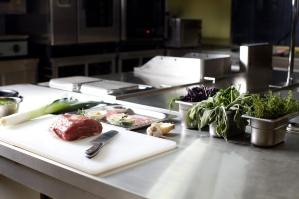 調理営業の中の飲食店営業の許可を取得する
